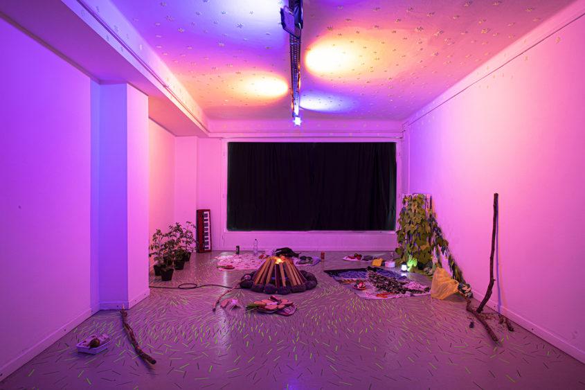papirszalonna paperbacon marina sztefanu gergo fulop contemporary art installation environment telep gallery budapest hungary independent duo